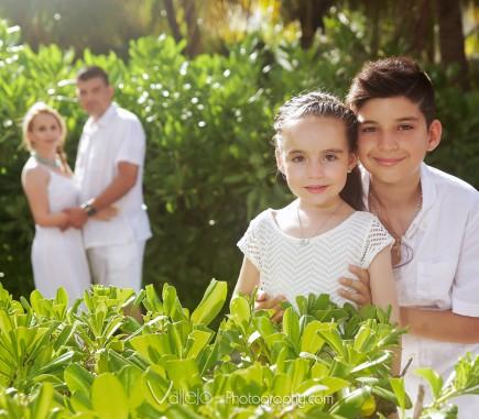 cancun family portrait photo