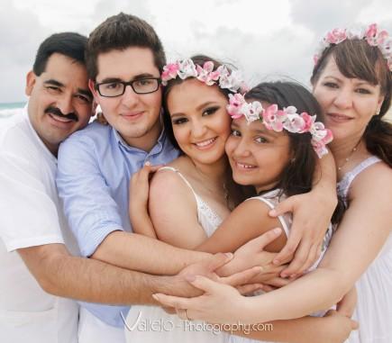 cancun family photo portrait