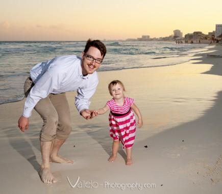 family photo cancun beach