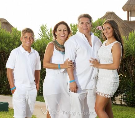 professional family portrait cancun