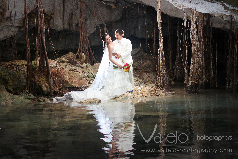 Cancun Wedding Photographer Vallejo Trash The Dress