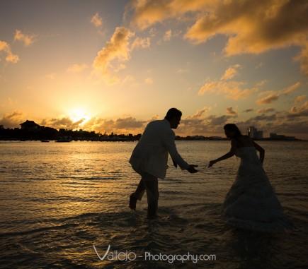 professional photo cancun wedding sunset