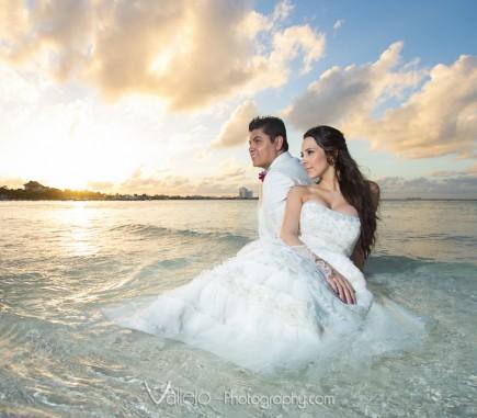 wedding photo cancun sunset