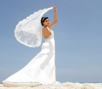 bride dress cancun photos