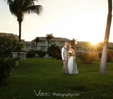 wedding photos bride groom cancun