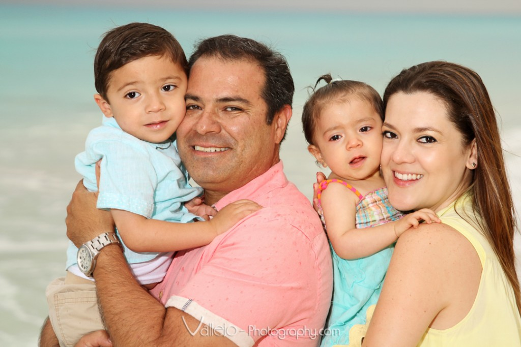 Family Portraits Cancun
