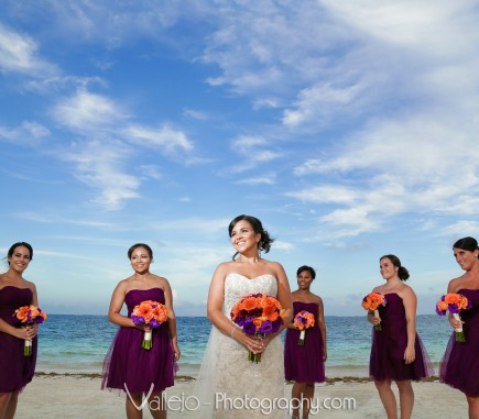 wedding court cancun bridesmaids